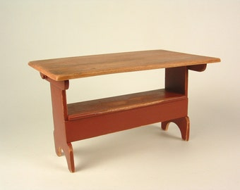Settle table