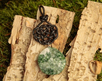 Leather node no. 6 with gemstone pendant tree agate