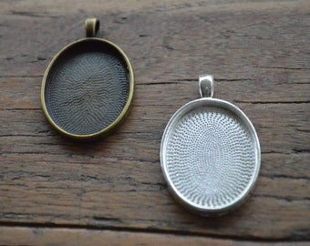Pendant Tray Bezel. PACK 10 - Oval 23mmx30mm. Glass Dome Tray. Antique Bronze / Silver. Jewellery Making Supplies. Sydney Australia