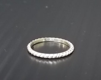 Womens Vintage Estate .925 Sterling Silver Ring 1.74g E1153