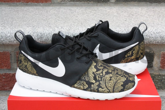 Items Similar To Nike Roshe Run Black White Marble