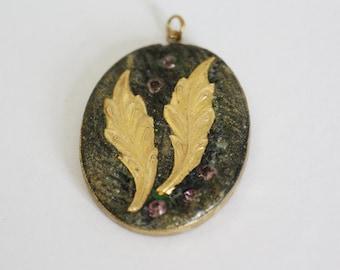 brass pendant with autumn leaves, leave pendant, maple leaf pendant, nature jewellery, vintage pendant