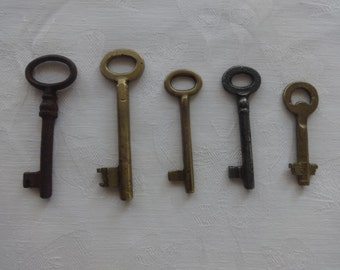 5 Dark Skeleton Keys , Keys for Collectors,