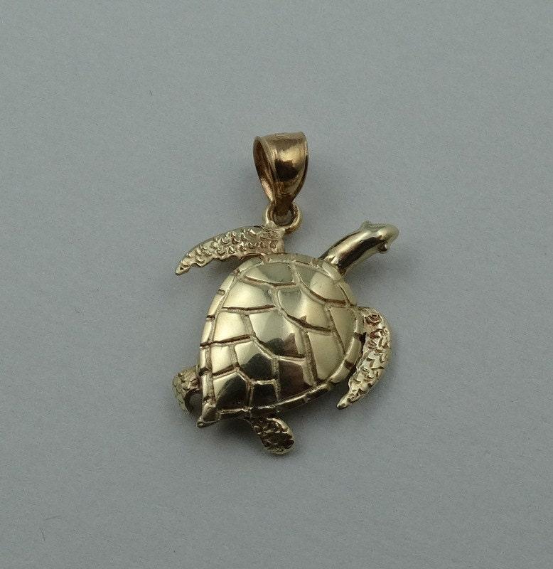 cowabunga solid 14k yellow gold sea turtle pendant