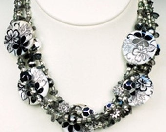 ON SALE was 18.00 now 15.00 Black White Beaded Flower Necklace Earring Set