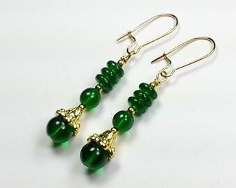 Pretty Green Czech Glass Earrings in Gold Tone