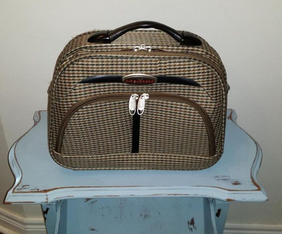 Vintage Carry On Luggage 25