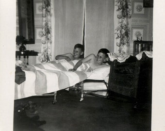 vintage photo Identical Twin Boys in Bed Together Seeing Double 1949