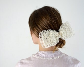 Hair Bow • Hair Comb • Wedding Bow • Bridal Hairpiece • Bridal Hair Accessories • Bridal Haircomb • White Hair Bow • Bow Fascinator Barrette