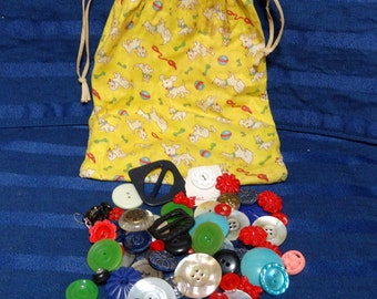 SALE Vintage Buttons in Cute Vintage Puppy Dog Calico Fabric Drawstring Bag
