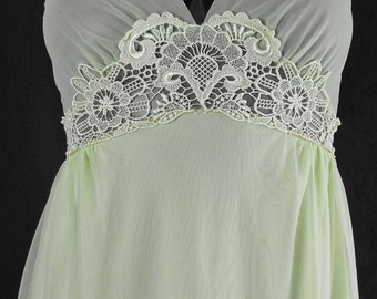 Vintage Jenelle of California Light Green Long Nightgown Petite S