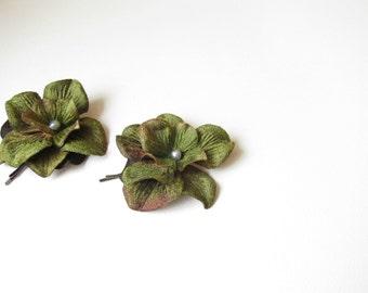 Green flower hair pins - set of 2 -  wedding hair accessories, bridesmaid hair flowers, green flowers