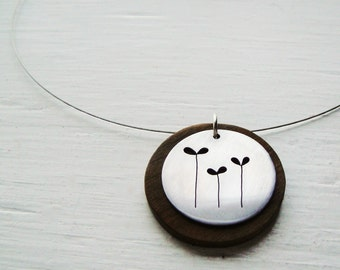 Sprout Round Cutout Neckwire Necklace -- Modern Woods