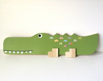 Wooden alligator wall art, Alligator Nursery Decor, Jungle Themed Decor, Jungle Themed Kids decor, eco-friendly