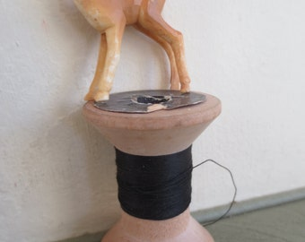 Vintage Deer, Brown Tiny Fawn, Tiny Deer, Small Plastic Deer, Woodland, Deer Figurine, Fawn Figure, Zakka Kawaii, Terrarium Deer, Miniature