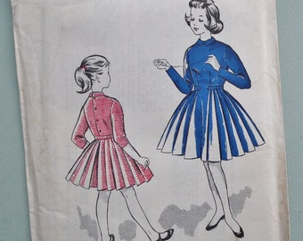Vintage 50s Sewing Pattern Girls Dress Full Skirt Age 7 - 8 years 1950s children's dressmaking pattern Blackmore No. 8982 UK unused