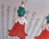 Pixie Bells - Earrings in Red and Green