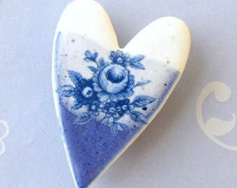 Ceramic Heart Brooch. Blue & White Cabbage Roses. Porcelain. Royal Blue. Cornflower. Denim. Snow White. Clay. Shabby Chic. Valentine's Day
