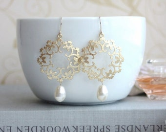 Cream Ivory Pearl Filigree Earrings Moroccan, Boho Gypsy Chandelier Gold Pearl Jewelry Bridesmaids Ivory Bridal Jewelry Bridal Pearl Earring