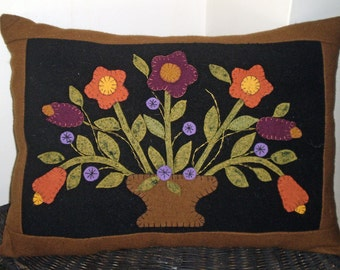 Oley Valley Primitives Wool Applique FLOWER  VASE Penny Rug Pillow Digital Download