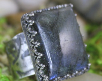 Labradorite Chunky Sterling Silver Embossed Ring Size 6
