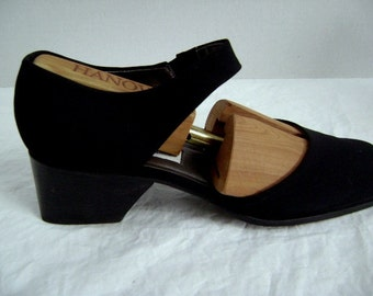 Vintage Etienne Aigner Black Shoes, Classic Chic, Business, Jeans, Stylish Comfort, Fabric, Stretch ankle strap