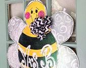 Bumblebee Door Hanger - Bronwyn Hanahan Art