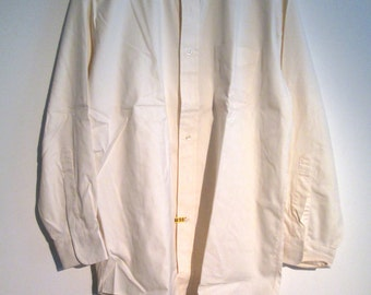 Brooks Brothers, button down collar, Men's SHIRT.  Size 16, 32.  All Cotton, dress shirt.  Made in USA