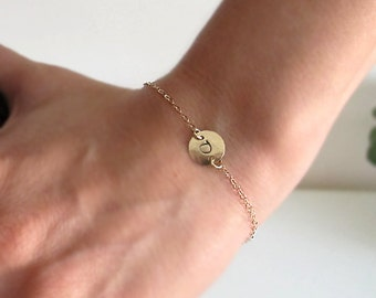 Gold Initial Bracelet. Custom Personalized Disc Charm Bracelet. Gift for Her. Letter Engraved Gold Bracelet. Personalized Jewelry. Dainty