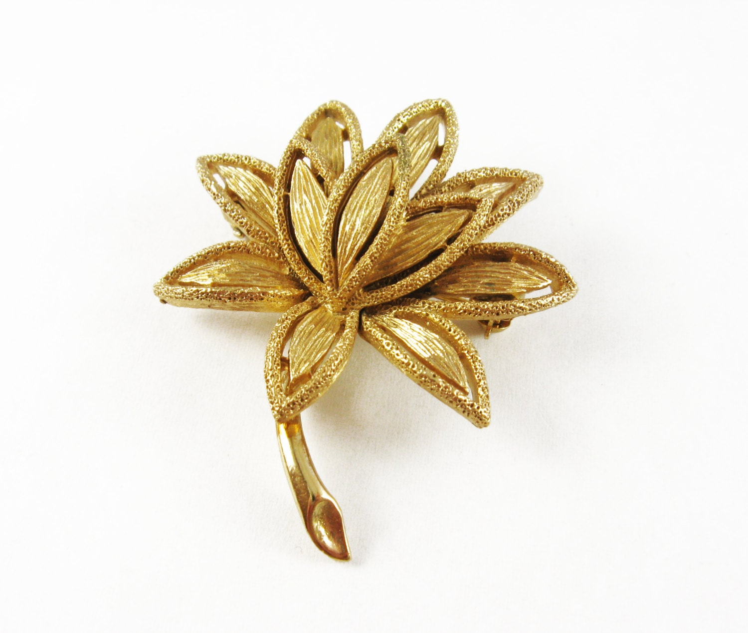 Vintage Gold Lotus Pin Lotus Flower Brooches Pins Blooming