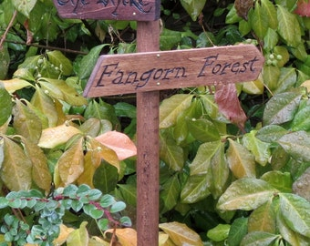 Lord of the Rings Garden Sign - Rivendell - The Shire - Mordor - LotR - The Hobbit - Fictional Places - Sign Post