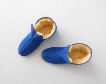 Vintage Pixie Shoes * Flocked Blue Slipper Shoes * Shearling Fleece Bootie * Child size 10