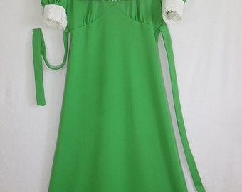 Vintage 1970's Kelly Green Maxi Dress Gown w/White Lace Collar and Cuffs-St Patrick's Day-sz 9