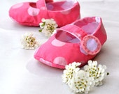 Reversible Mary Jane's Baby Girl Shoes PDF SEWING PATTERN. Baby Clothing Sewing Pattern. Toddler Girl 5 different sizes