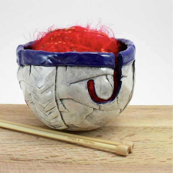 Ceramic Yarn Bowl for knitting or crochet, indigo cobalt blue chevron design with red buttons