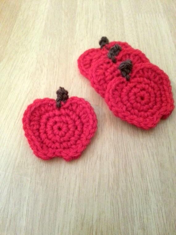 Crochet Apple Pins, Set of 4, Teacher Gift, Red Apple Brooch, Ready to Ship