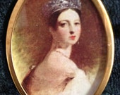 Queen Victoria - Oval shape gold colored metal frame print Dollhouse Miniature Artwork pictures