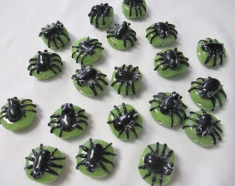 SPIDER LAMPWORK 20 Beads - Black and Green - Halloween, Gothic, Insect, Bug