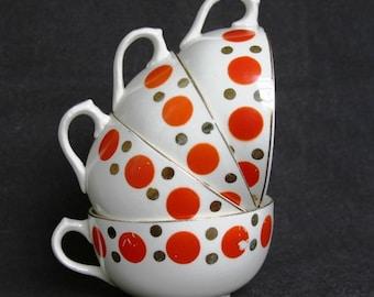 Stunning retro polka dot fifties cups.