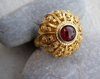 garnet dome ring sterling 22 carat fligree hand crafted artisan jewel jewelry