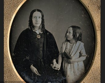 Wonderful & Affectionate 1840s Daguerreotype Mother and Daughter / Mathew Brady