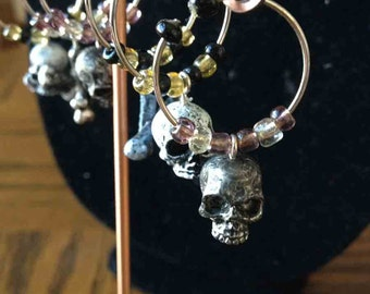 Super Reductions-Day of the Dead Skull and Cross Bone Wine Charms