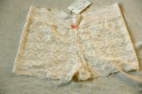 cream lace backgroundseriano rose - photo #13