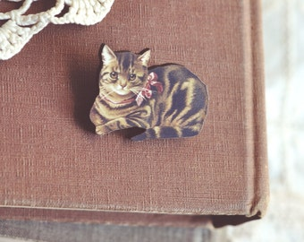 pretty kitty wooden brooch.