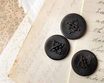 antique Victorian pressed horn buttons - steampunk gothic design - large size 24mm