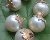 Completely Elegant Pearl  Drops With Leaf Tops