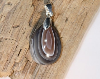Tear Drop shaped Madagascar Agate Pendant - Item 982