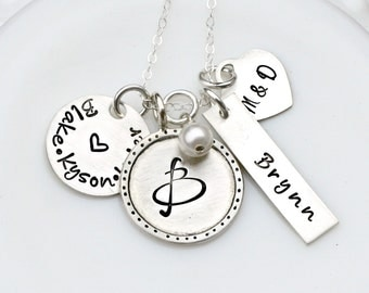 Christmas Gift - Mom Charm Necklace - Silver Charm Necklace - Personalized Necklace - Family Name Necklace - Mothers Necklace - Custom Gift