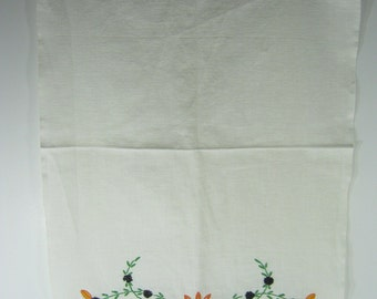 Vintage DAISY Tea TOWEL Linen Yellow Flowers Kitchen Linens