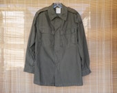 Vintage 1980's Army Green Cotton Two Pockets Shirt Size M Long